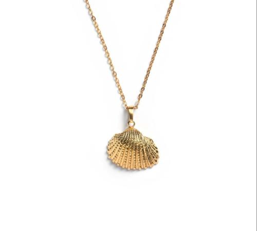 Vongole Gold Shell Necklace